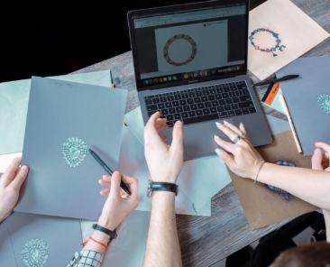 Sarkissian-luxury-studio-staff-jewelry-3d-animation